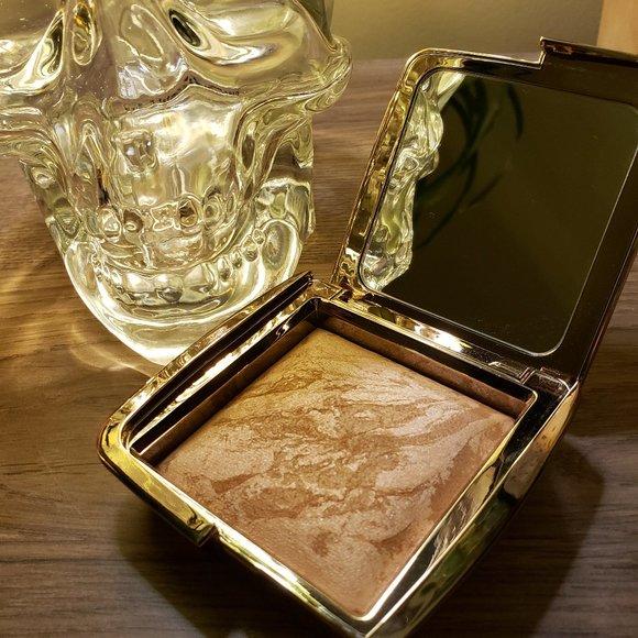 HOURGLASS Ambient Lighting Bronzer Luminous Bronze